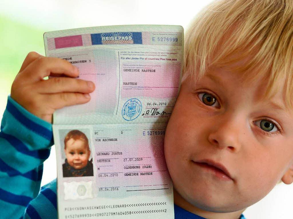 Как сделать загранпаспорт для ребенка до 14 лет через госуслуги